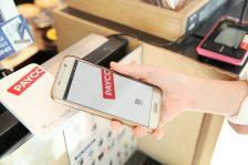 (페이코존에 들어서면 페이코 NFC 기반 결제 단말기 '동글'을 쉽게 찾아볼 수 있습니다, 사진=NHN페이코)