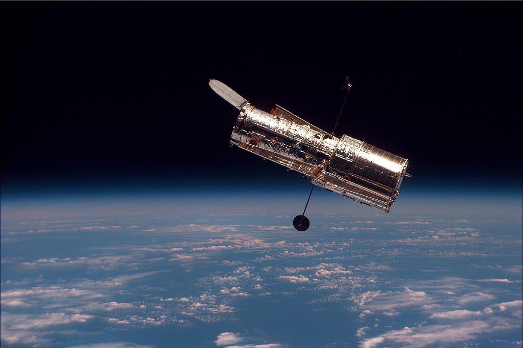 (허블 우주 망원경, 사진=위키피디아)