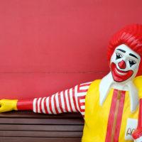 '사내연애' 맥도날드, CEO 해고의 충격과 그 여파
